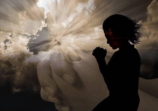 """Слушать онлайн молитву """"Отче наш"""" на испанском"""
