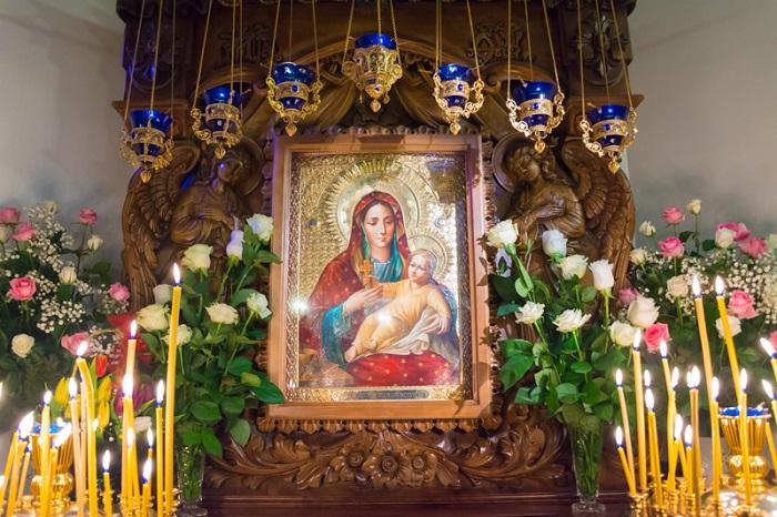 Читать онлайн материнскую молитву к Божьей Матери о покрове