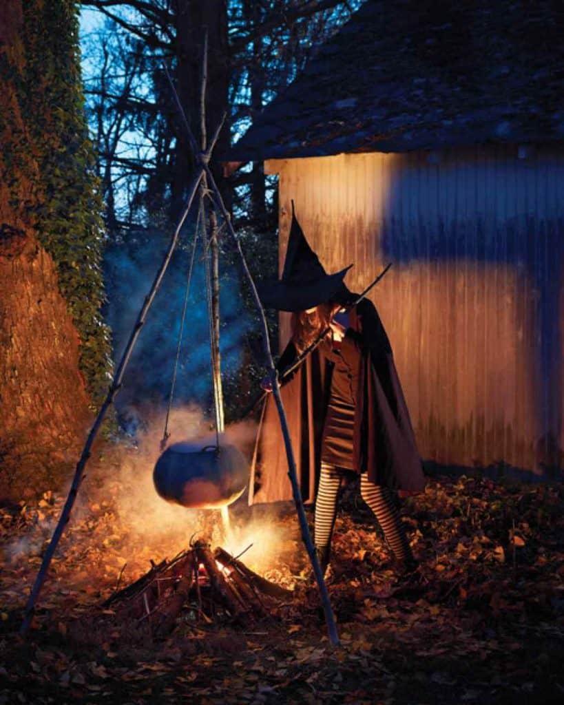 Образ ведьмы у котла