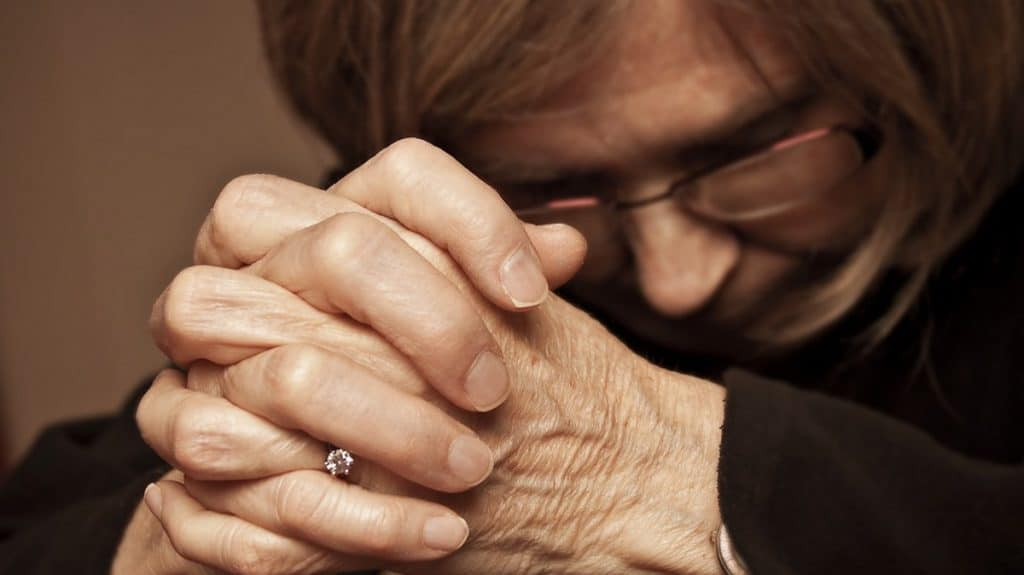 Прослушать молитву онлайн