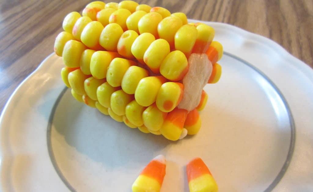 Кукурузные початки на Хеллоуин