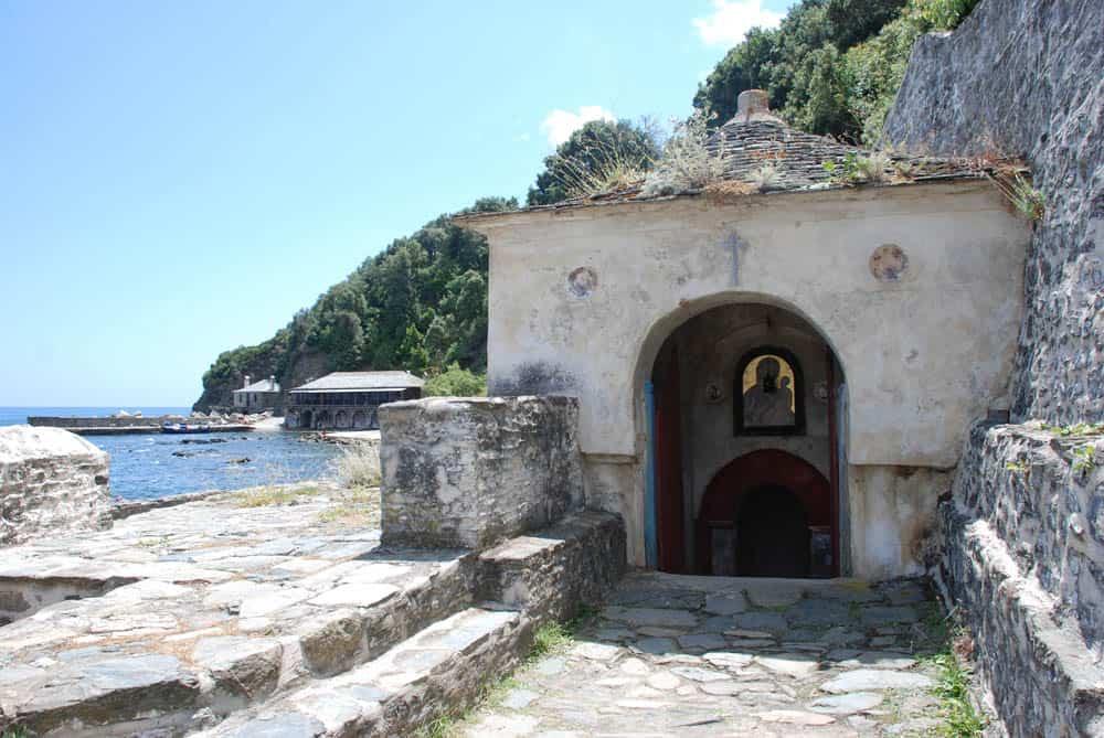 Место нахождения, история и значение иконы «Иверской» Богородицы