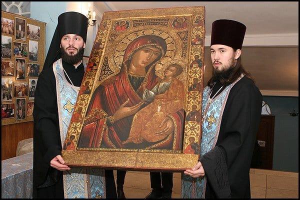 """""""Иверская"""" Икона Божьей Матери"""