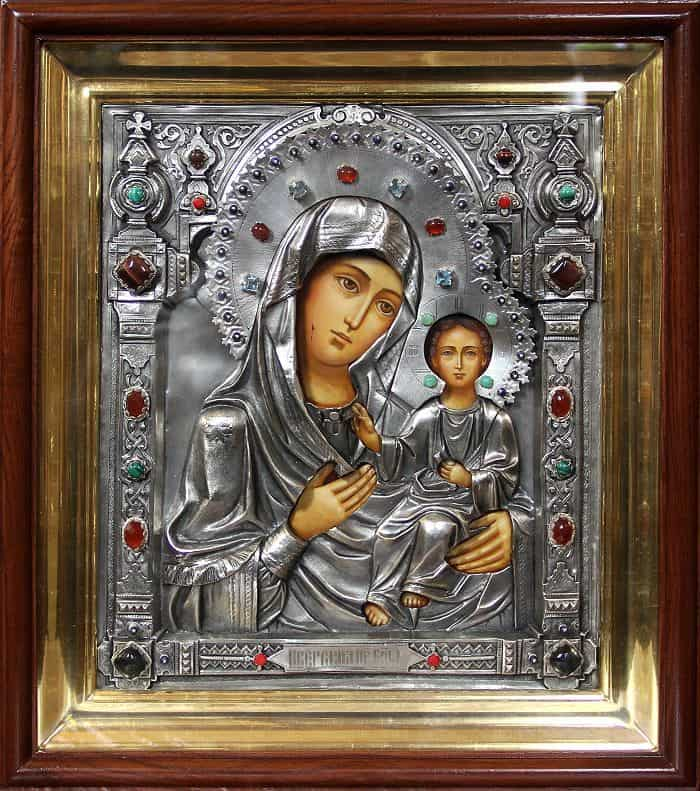 Фото и описание Иконы «Иверской Божьей Матери»