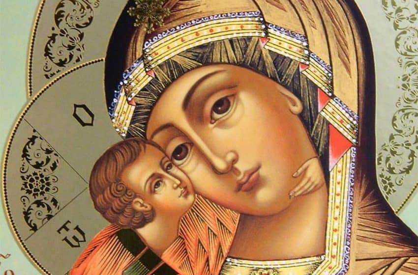 Молитва перед иконой Божьей Матери «Всецарица»: надежда для больных раком