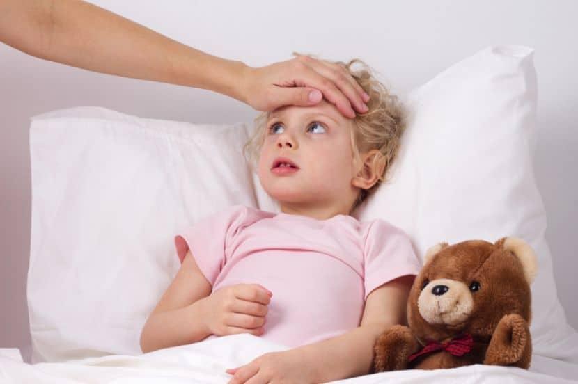 10 молитв о здравии ребёнка, самые сильные, помогающие болеющему в исцелении, благополучии детей