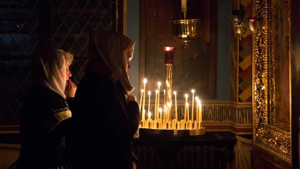 Как молиться иконам Божьей матери, чтобы быть услышанным, правила чтения молитв Богородице