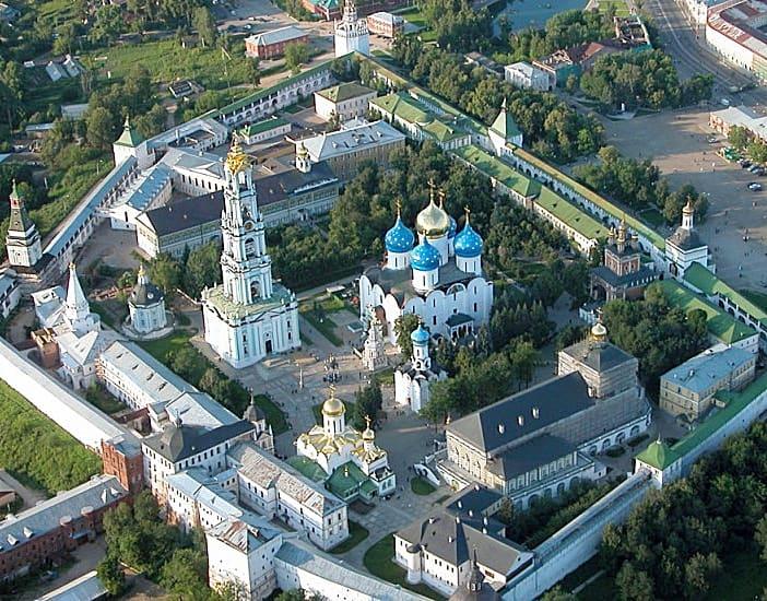 Молитвенное поминовение в Троице-Сергиевой Лавре ведётся круглосуточно