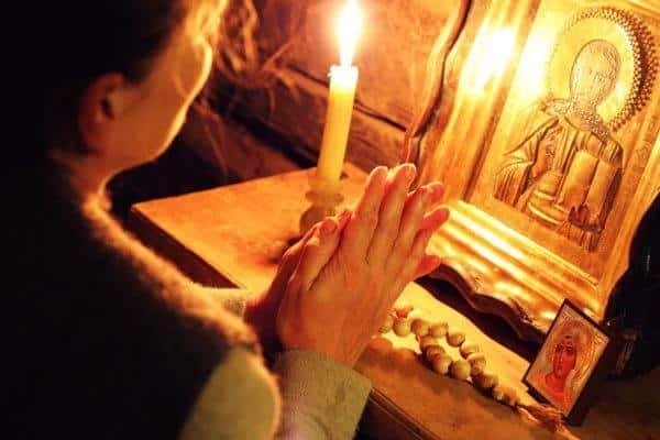 Сколько раз и как правильно читать молитву