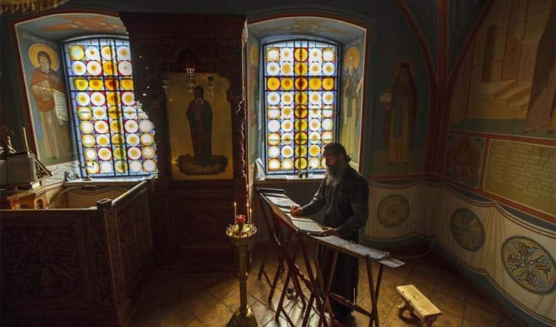 Как заказать «Неусыпаемая псалтырь» об упокоении в монастыре