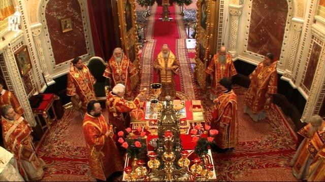 Во время празднования Пасхи выбирают специальные молитвы