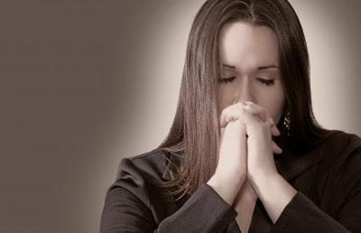 Читать молитву Архангелу Михаилу о здравии ребенка