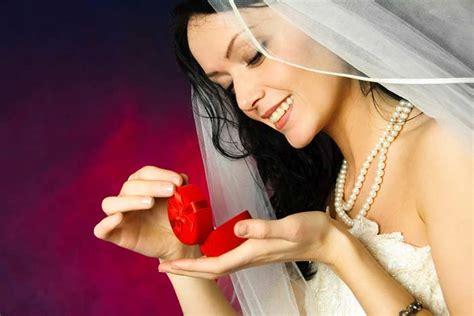 Перед какими иконами произносят молитвы о встрече мужа
