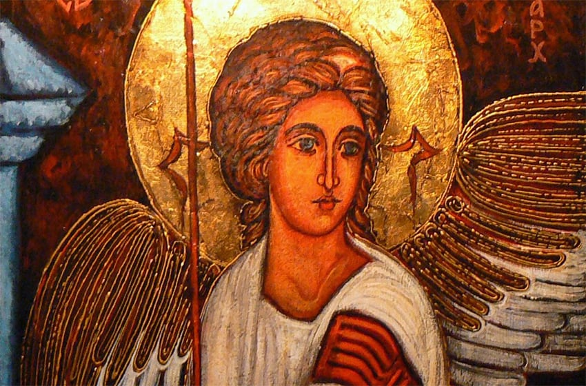 Православная молитва святому Архангелу Михаилу за усопших родственников и близких – как отмолить души и спасти из ада